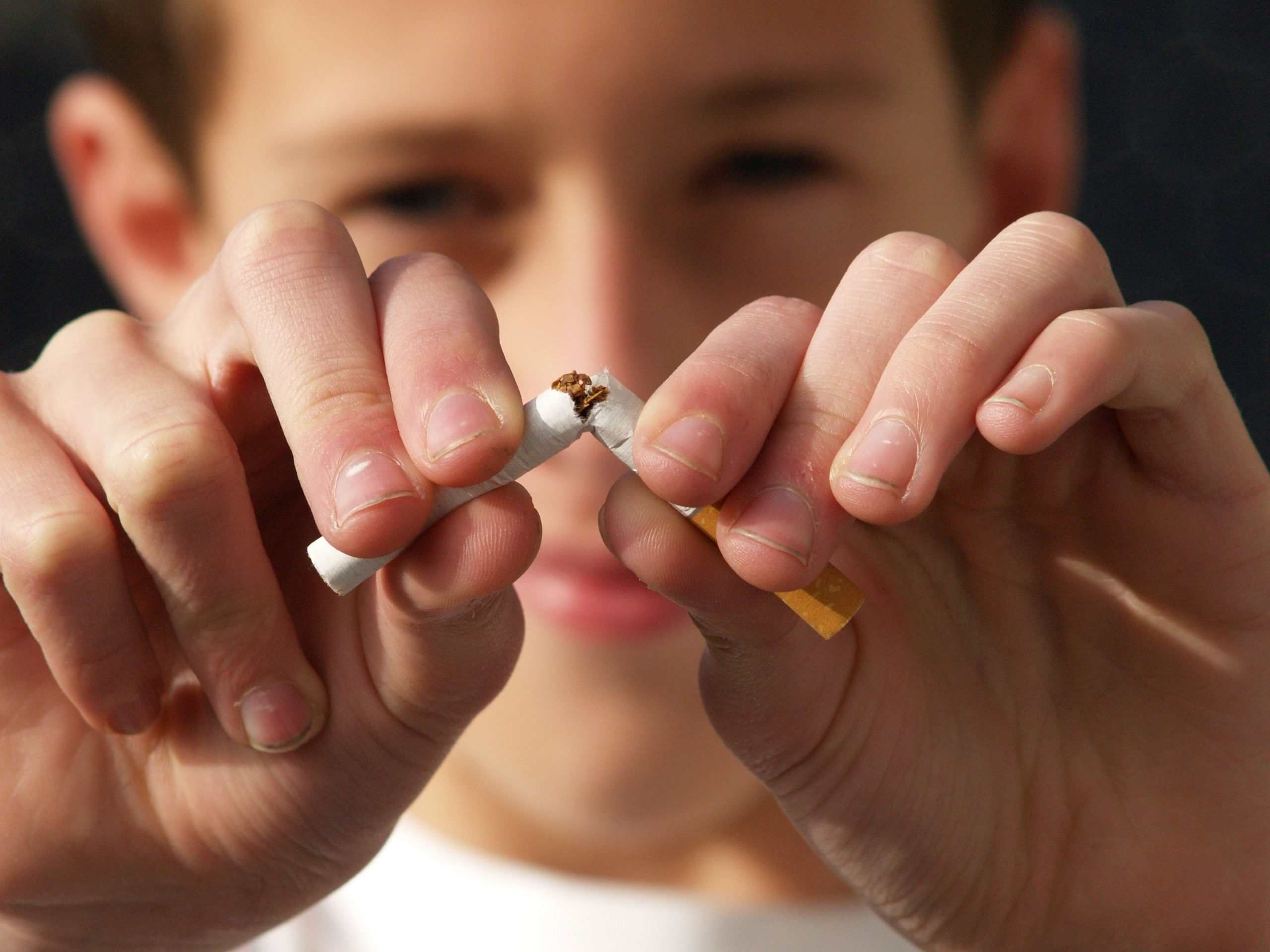Livonia MI Dentist | Tobacco & Your Teeth: The Risks of Chewing and Smoking